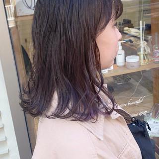 ガーリー セミロング インナーカラー イヤリングカラー ヘアスタイルや髪型の写真・画像