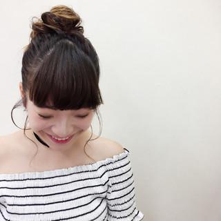 簡単ヘアアレンジ デート ロング メッシーバン ヘアスタイルや髪型の写真・画像