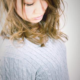 フェミニン ガーリー ミディアム ゆるふわ ヘアスタイルや髪型の写真・画像
