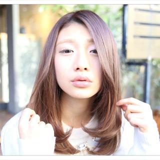 アッシュ セミロング モテ髪 ミルクティー ヘアスタイルや髪型の写真・画像