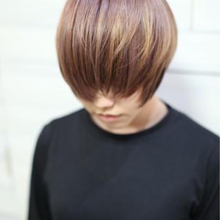 バレイヤージュ マニッシュ インナーカラー ショート ヘアスタイルや髪型の写真・画像