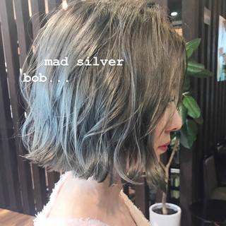 ボブ シルバー ストリート 切りっぱなしボブ ヘアスタイルや髪型の写真・画像