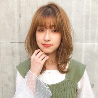 ナチュラル ひし形シルエット アンニュイほつれヘア ミディアム ヘアスタイルや髪型の写真・画像