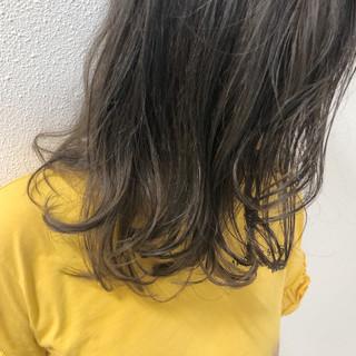 リラックス ロング 大人女子 外国人風カラー ヘアスタイルや髪型の写真・画像