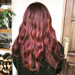 ピンク ハイライト ロング ダブルカラー ヘアスタイルや髪型の写真・画像