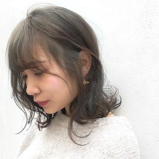ウルフカット モード ミディアム レイヤーカット ヘアスタイルや髪型の写真・画像