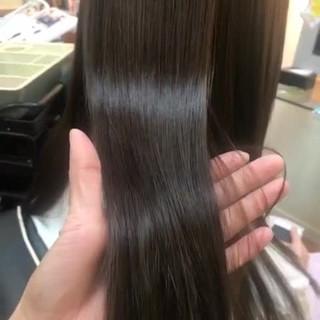 ナチュラル ロング 縮毛矯正 ツヤツヤ ヘアスタイルや髪型の写真・画像