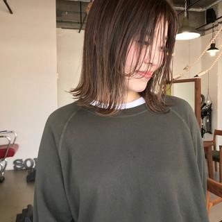 ミルクティーベージュ ミルクティー ミルクティーグレージュ オフィス ヘアスタイルや髪型の写真・画像