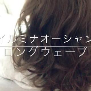 大人かわいい ウェーブ ロング アンニュイ ヘアスタイルや髪型の写真・画像