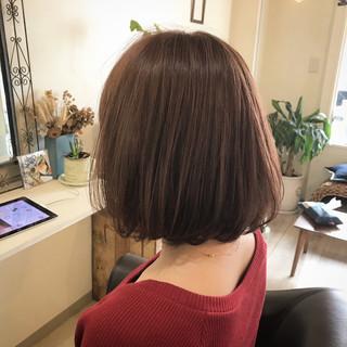 ナチュラル ピンク リラックス レッド ヘアスタイルや髪型の写真・画像