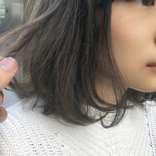大人女子 アッシュベージュ ナチュラル アッシュグレージュ ヘアスタイルや髪型の写真・画像