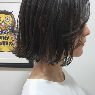 切りっぱなし ボブ 外ハネ 透明感 ヘアスタイルや髪型の写真・画像