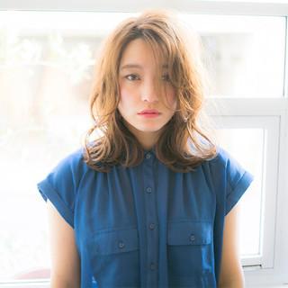 外ハネ パーマ ミディアム 小顔 ヘアスタイルや髪型の写真・画像