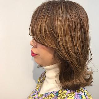 オフィス ヌーディーベージュ ベージュ ナチュラル ヘアスタイルや髪型の写真・画像