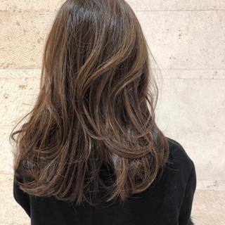 ロング デザインカラー デート オフィス ヘアスタイルや髪型の写真・画像