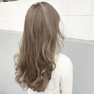 ウェーブ ハイライト アンニュイ 秋 ヘアスタイルや髪型の写真・画像