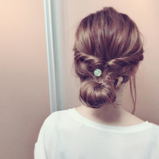 夏 簡単ヘアアレンジ フェミニン ヘアアレンジ ヘアスタイルや髪型の写真・画像