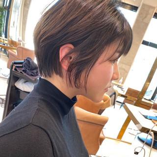 ナチュラル アンニュイほつれヘア ショートボブ デジタルパーマ ヘアスタイルや髪型の写真・画像