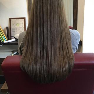 ベージュ ロング グレーアッシュ グレージュ ヘアスタイルや髪型の写真・画像