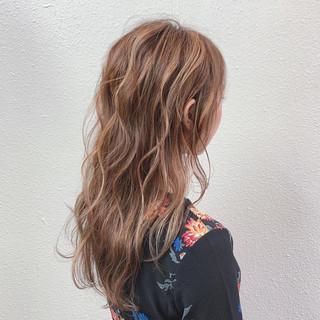 ピンクグレージュ コントラストハイライト フェミニン ラベンダーアッシュ ヘアスタイルや髪型の写真・画像