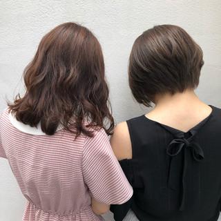 ナチュラル イルミナカラー セミロング ショートヘア ヘアスタイルや髪型の写真・画像