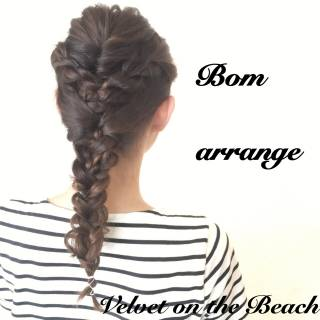 コンサバ 三つ編み セミロング 編み込み ヘアスタイルや髪型の写真・画像