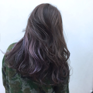 カラフルカラー インナーカラー パープル モード ヘアスタイルや髪型の写真・画像