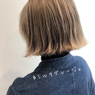 ナチュラル 切りっぱなしボブ インナーカラー ベリーショート ヘアスタイルや髪型の写真・画像