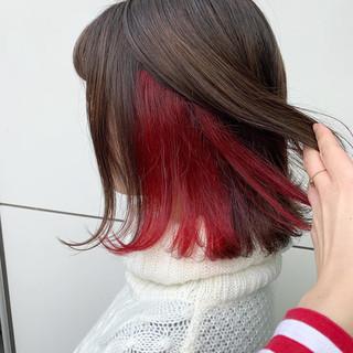 ハイトーン ダブルカラー ボブ インナーカラーレッド ヘアスタイルや髪型の写真・画像