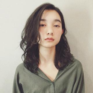 毛先パーマ ミディアム ナチュラル ワンカールパーマ ヘアスタイルや髪型の写真・画像