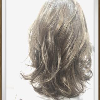 ガーリー アッシュ ハイライト ゆるふわ ヘアスタイルや髪型の写真・画像