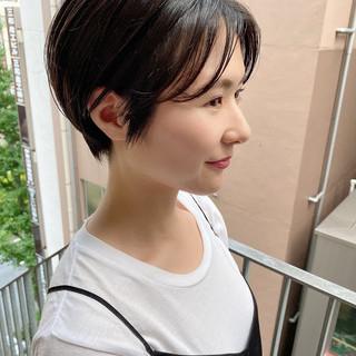 ショート オフィス ショートヘア ナチュラル ヘアスタイルや髪型の写真・画像