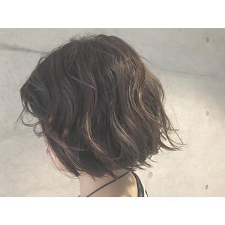 外国人風 アッシュ ハイライト ボブ ヘアスタイルや髪型の写真・画像