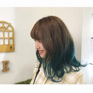 ブルー ストリート グラデーションカラー ダブルカラー ヘアスタイルや髪型の写真・画像