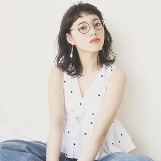 パーマ ミディアム 女子会 ナチュラル ヘアスタイルや髪型の写真・画像