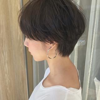 ショートヘア ショートボブ ハンサムショート ナチュラル ヘアスタイルや髪型の写真・画像