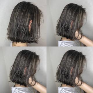 グレージュ 透明感 ナチュラル おフェロ ヘアスタイルや髪型の写真・画像
