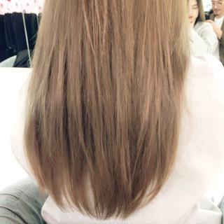 外国人風カラー アッシュベージュ ロング ベージュ ヘアスタイルや髪型の写真・画像