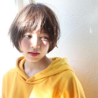 ショート ニュアンス 大人女子 ストリート ヘアスタイルや髪型の写真・画像