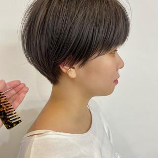 ショートボブ ナチュラル アンニュイ 小顔ショート ヘアスタイルや髪型の写真・画像