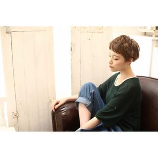 パーマ ローライト ショート ウェットヘア ヘアスタイルや髪型の写真・画像