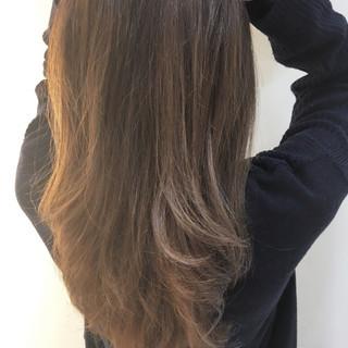 アッシュ ミルクティー ロング ガーリー ヘアスタイルや髪型の写真・画像