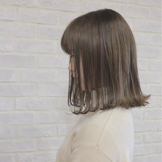 マット グレージュ 外ハネ ボブ ヘアスタイルや髪型の写真・画像