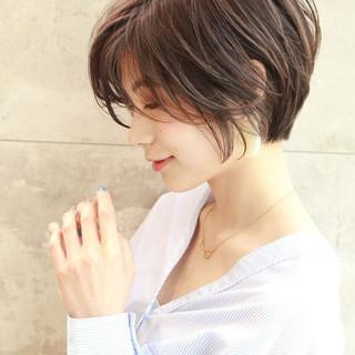 パーマ ナチュラル ショートヘア デジタルパーマ ヘアスタイルや髪型の写真・画像