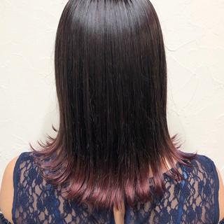 グラデーションカラー フェミニン セミロング 外ハネ ヘアスタイルや髪型の写真・画像