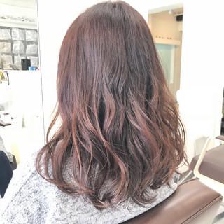 ショート 色気 アウトドア オフィス ヘアスタイルや髪型の写真・画像