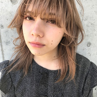 ウルフカット ミディアム ストリート マッシュ ヘアスタイルや髪型の写真・画像