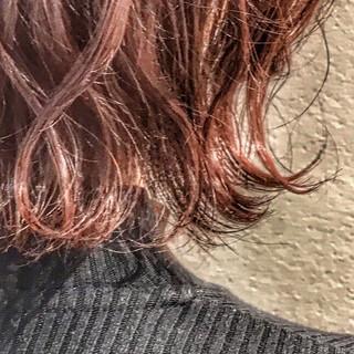 簡単ヘアアレンジ フェミニン ボブ ラズベリーピンク ヘアスタイルや髪型の写真・画像