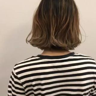 ロブ 外国人風カラー グレージュ ハイライト ヘアスタイルや髪型の写真・画像