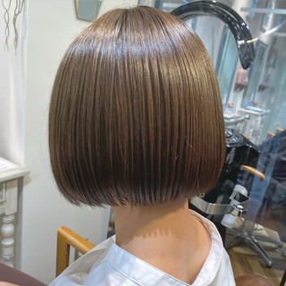 ナチュラル ショートボブ ミニボブ 切りっぱなしボブ ヘアスタイルや髪型の写真・画像